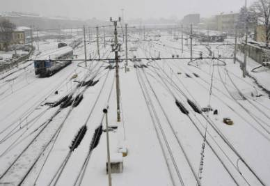 Neve_Treni_Binari_FerroviaR400