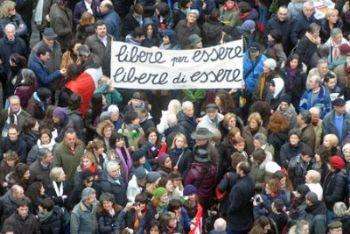 Piazza_Striscione_LibereR400