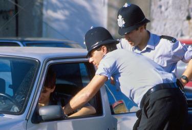 Polizia_Inglese_ControlloR375