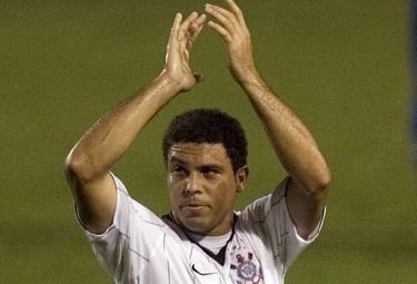 Ronaldo_Corinthians_R375_1apr09