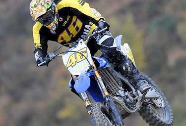 Rossi-crash-cross_R375