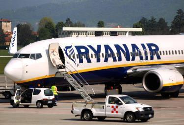 Ryanair_AereoR375