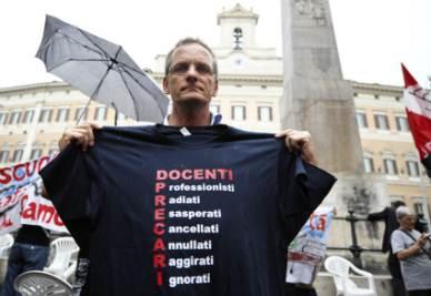 Scuola_Precari_MagliettaR400