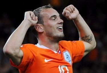 Sneijder_ned_R375_7mag09