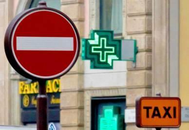 Taxi_Farmacie_Divieto_AccessoR400