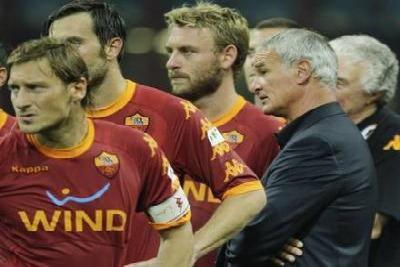 Totti_derossi_ranieri_R400_ott2010