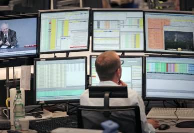 Trader_Monitor_PoltronaR400
