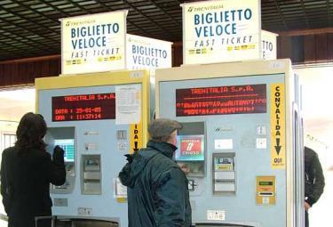 Trenitalia_Biglietteria_R375