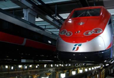 Treno_LocomotivaR400