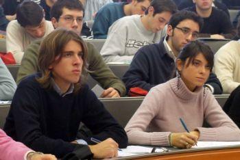 Universita_Studenti_AulaR400