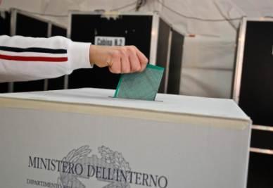 Voto_Elezioni_Scheda_UrnaR400
