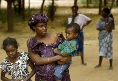 africani_donne_bambiniR400