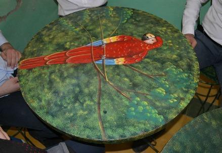 avsi-haiti-atelier-tavolo-pappagallo