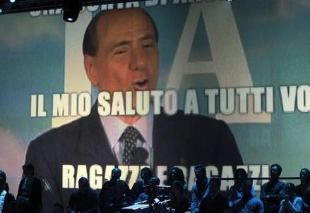 berlusconi_tv_salutoR400