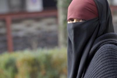 burqa_donnaR400