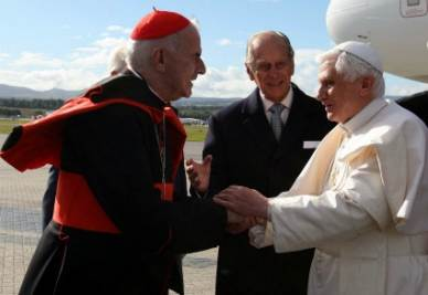 cardinale_papa_r400