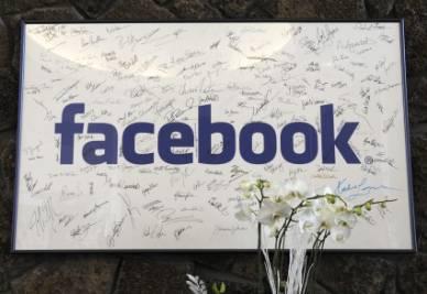 facebook-firme-r400