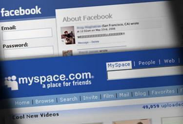facebook_myspaceR375_22ott08