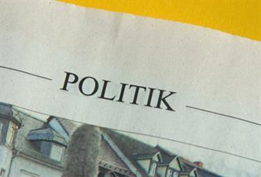 giornali_politicaR375