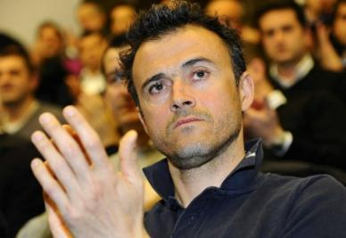luis_enrique_applauso_r400