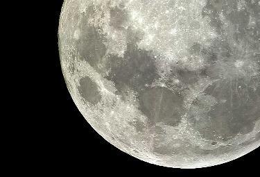 luna-ingrandimR375