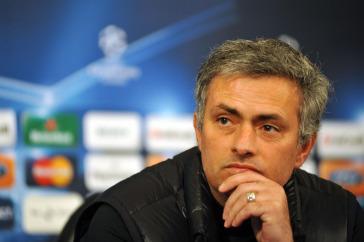 mourinho_champions_R375x255_23feb10