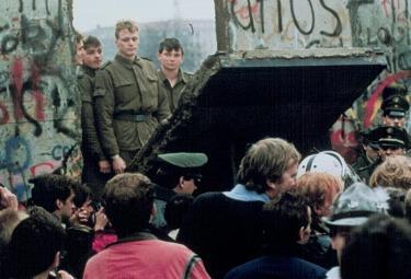 muro_berlino1989R375