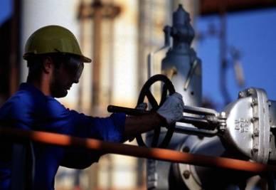 operaio_medioriente_petrolioR400