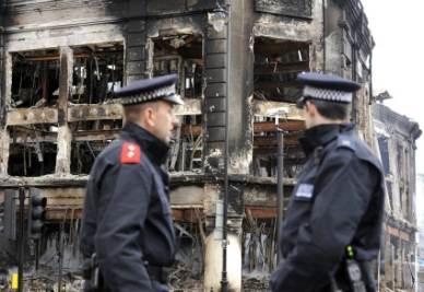 palazzo_bruciato_londra_R400