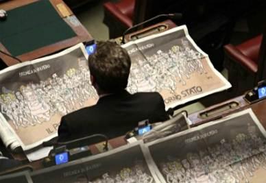 parlamentare_giornali_R400