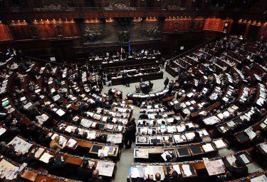 parlamento_1R375_24ago08