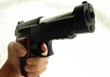 pistola_rapinaR375_2dic08