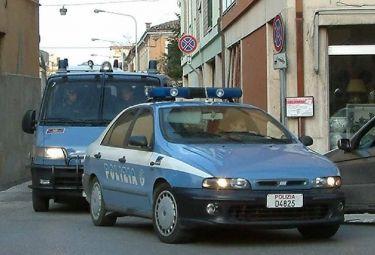 polizia_macchinaR375