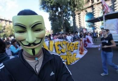 protesta_studenti_mascheraR400