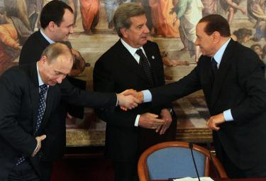 putin_berlusconi_summitR375