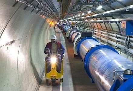 rossi_00_LHC_apertura_439x302_ok