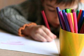 scuola_bambino-disegnoR400