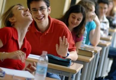 scuola_esame_studenti2R400