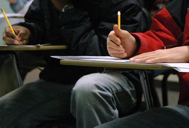 studentiscrivonoR375_06dic09
