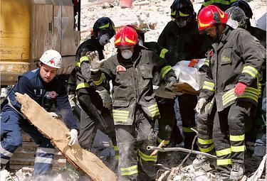 terremoto_abruzzo_soccorsi1R375
