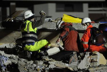 terremoto_protezione-civileR375_6apr09