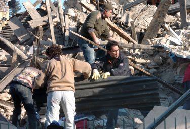 terremoto_soccorsiR375
