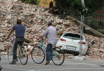 terremoto_torre_r439