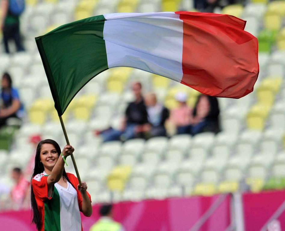tifosa_italiana_bandiera