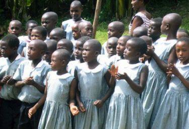 uganda_bambiniR375