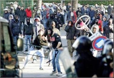 ultras-violenti-r375