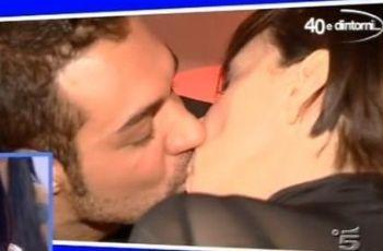 uominiedonne_bacio2-bubi-leoR400