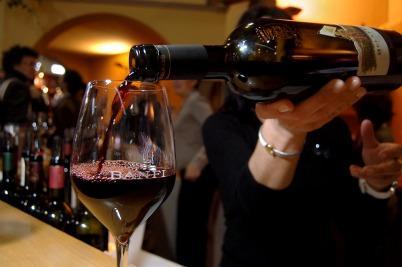 vino_bicchiereR400