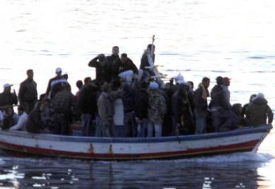 Lampedusa_Sbarchi_BarconeR400