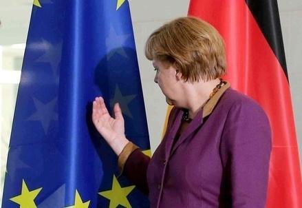 Merkel_Bandiera_Uer439